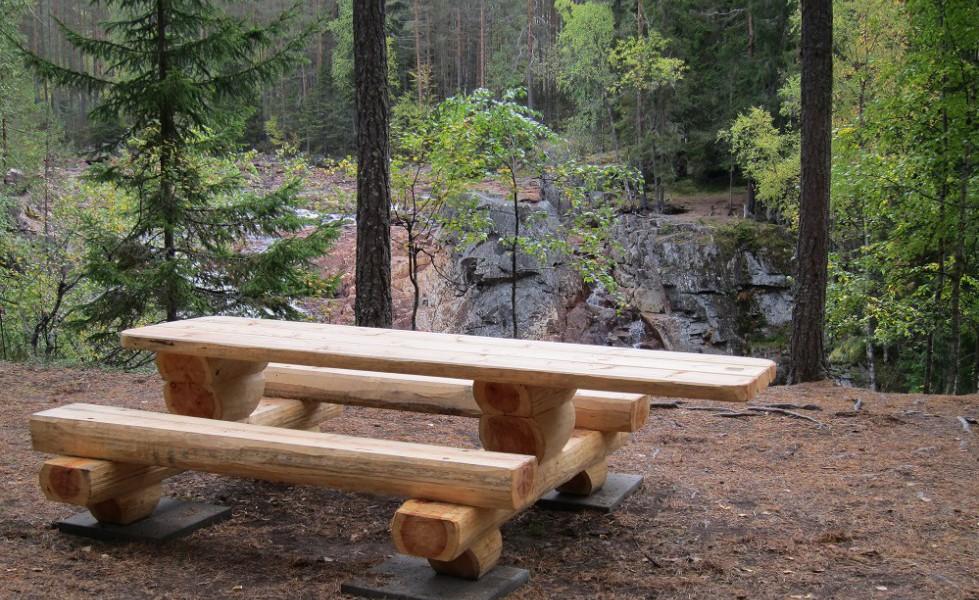Brattfallet, bänkbord för rullstol