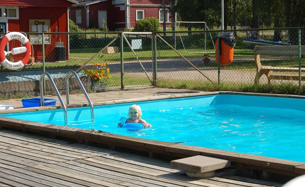 Camping 45, pool